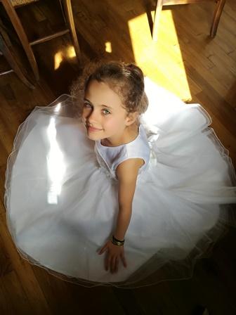 Robe magniqfique d'enfant pour ceremonie