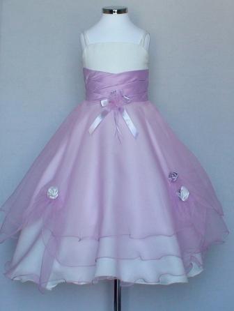 6ee648fe8e7cd Robes de mariage pour enfant   tendance - Carrefour des Ceremonies